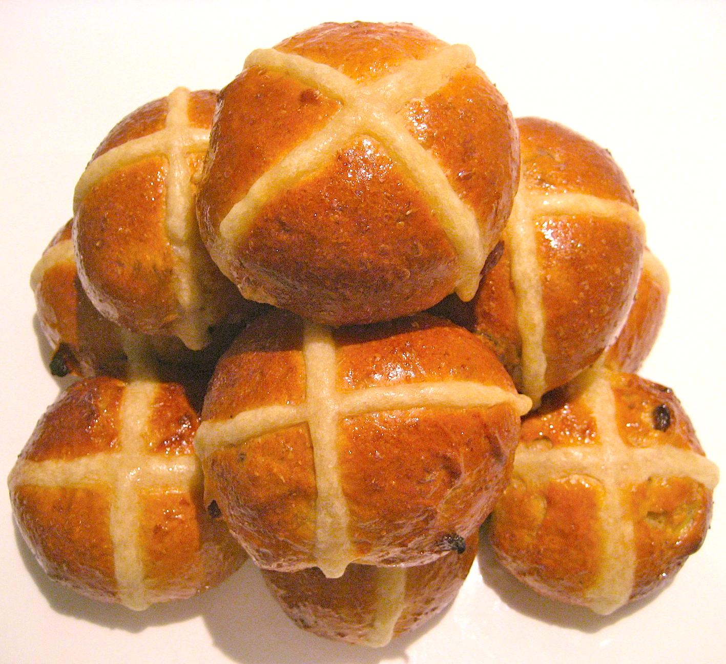Bread Roll clipart hot cross buns Buns sticky bun The Cross