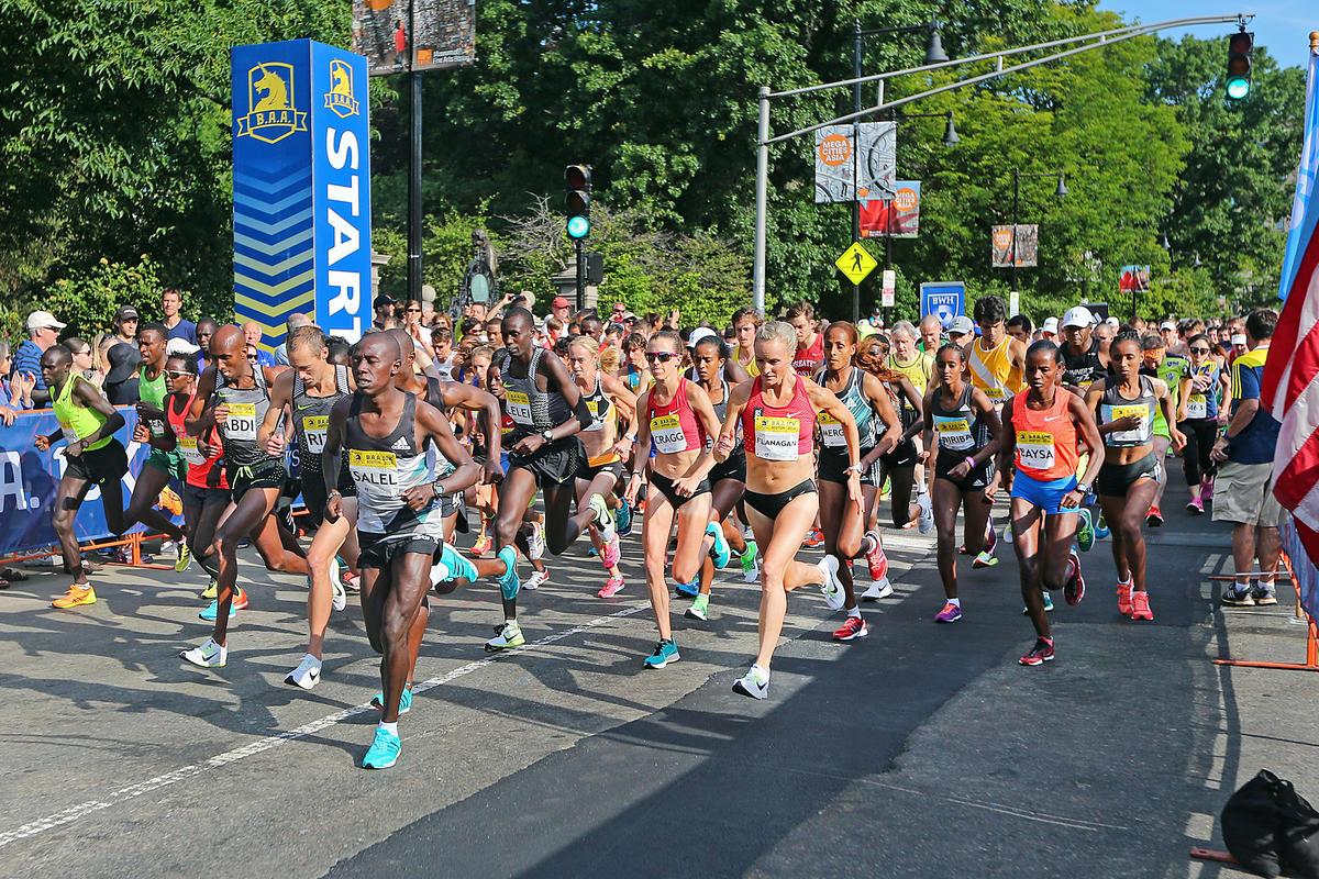 Seedy clipart fast runner Race street dodged cars had