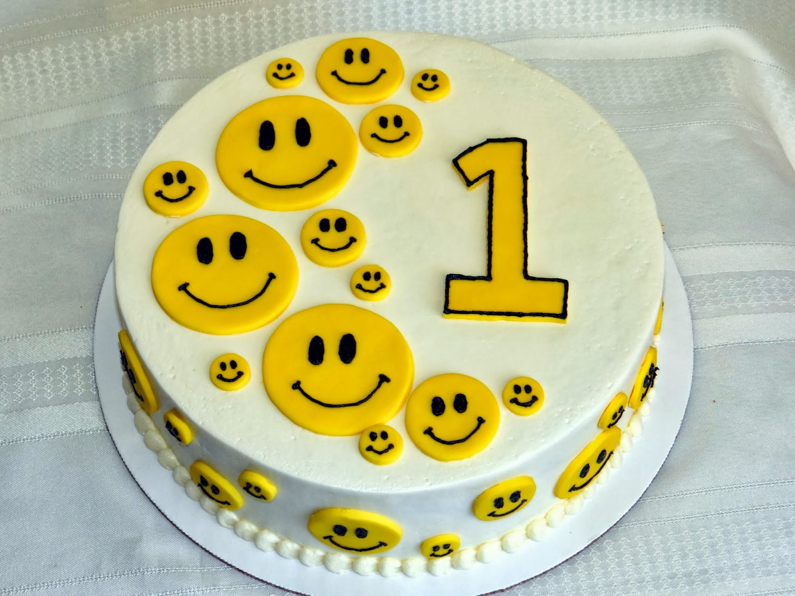 Smiley clipart cake Birthday Customized Cake Cake Happy