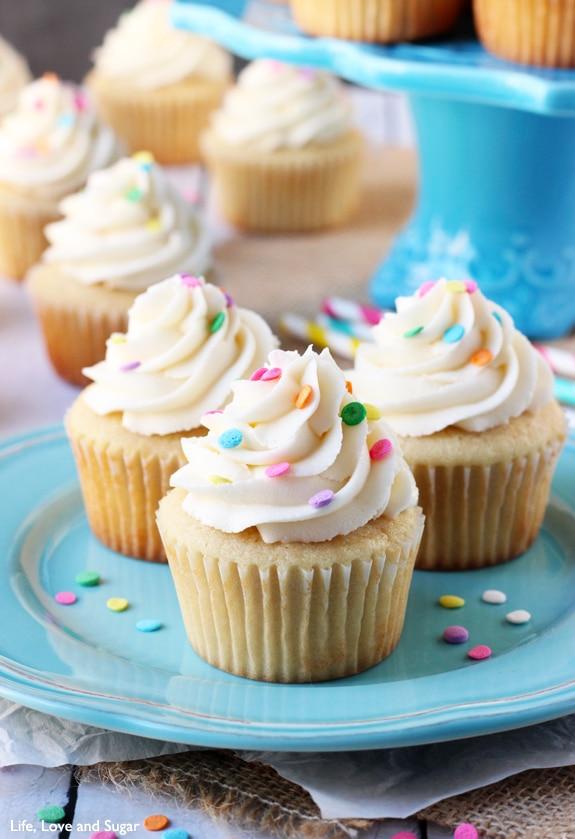 Vanilla Cupcake clipart bake sale Vanilla Moist Love Cupcakes Sugar