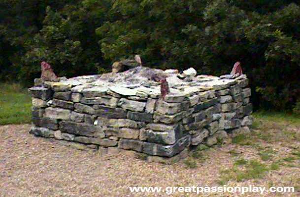 Altar clipart stone altar #10