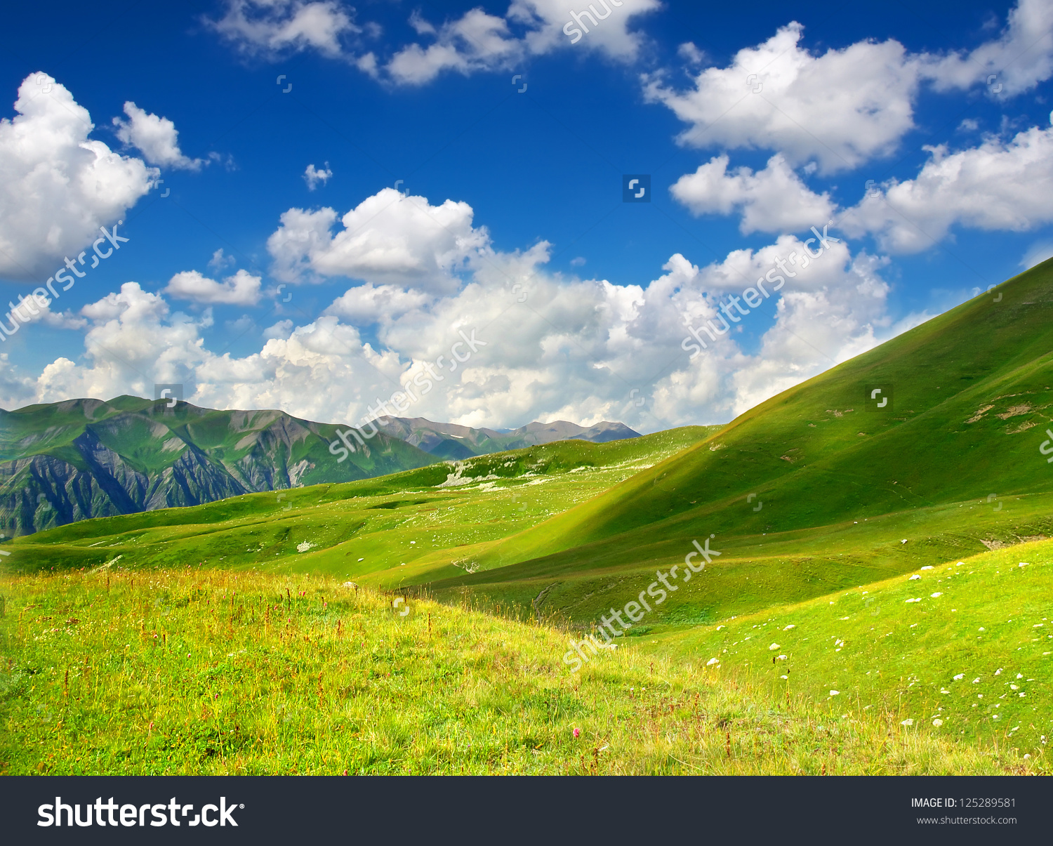 Valley clipart himalaya Green mountains And summer Valleys