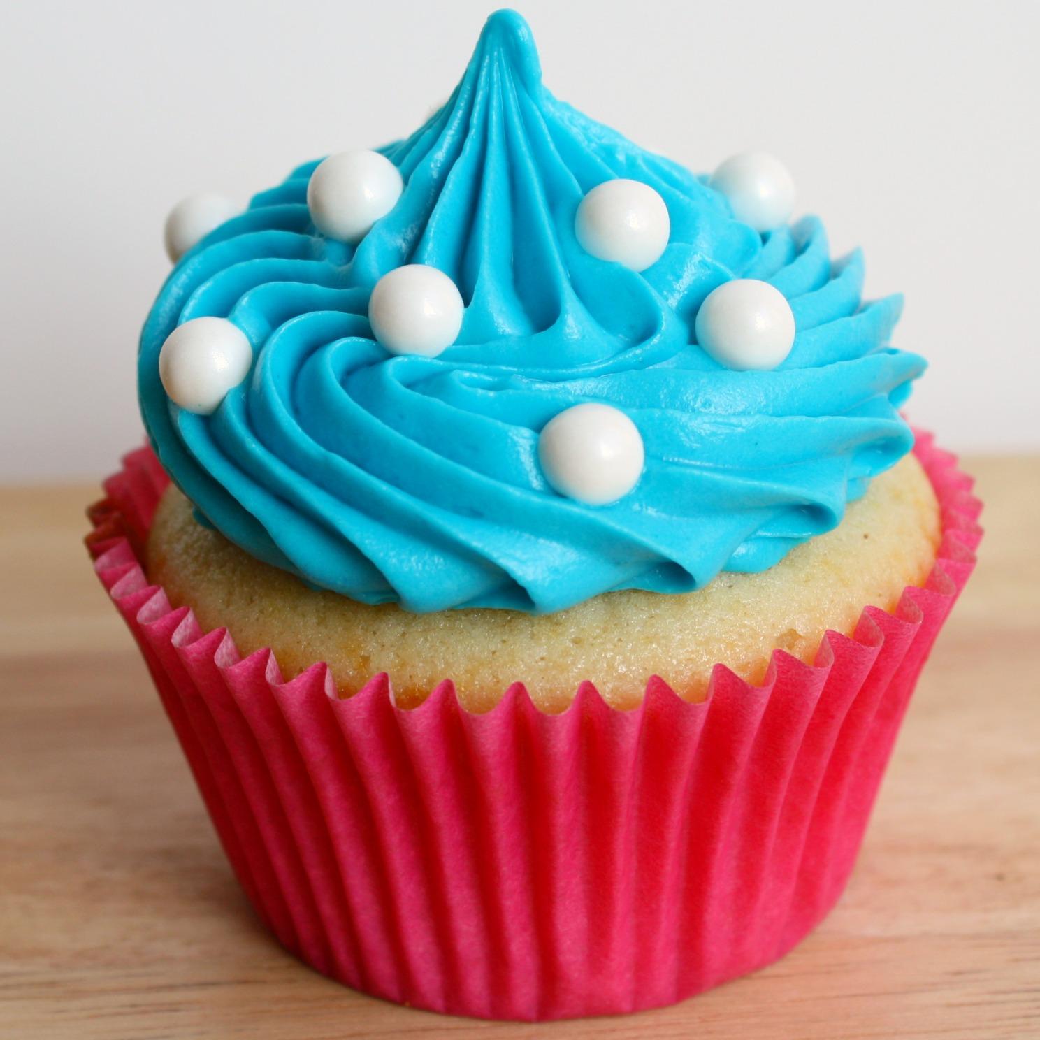 Vanilla Cupcake clipart one cupcake Art Library Cupcake Radio (Wednesday