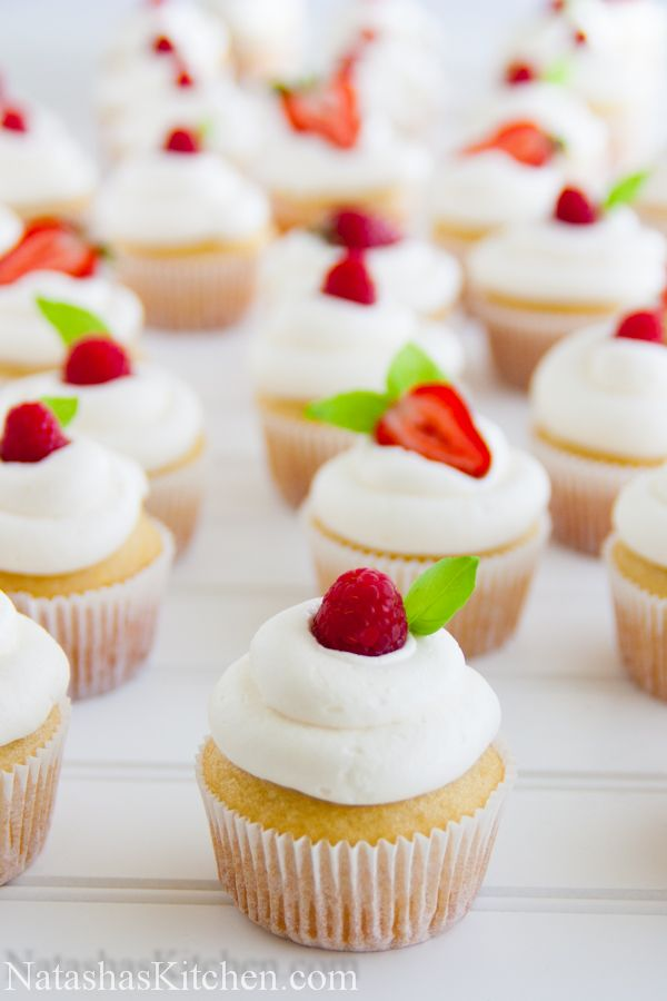 Vanilla Cupcake clipart one cupcake Pinterest on Best Summer cupcakes