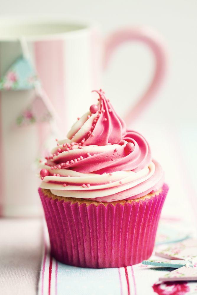 Vanilla Cupcake clipart pink icing Ways Pinterest Best cupcakes ideas