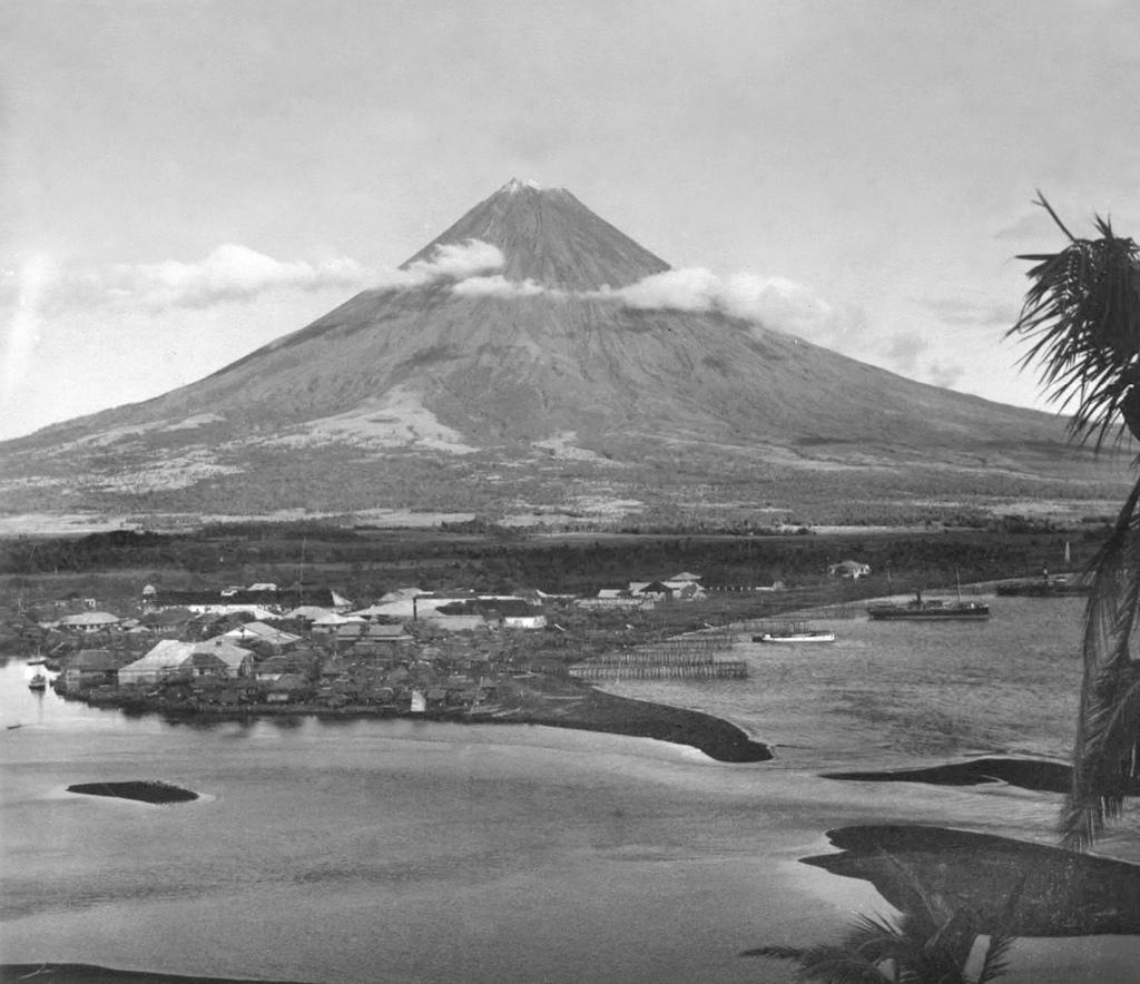 Volcano clipart mayon volcano 20th Town Mayon early Volcano