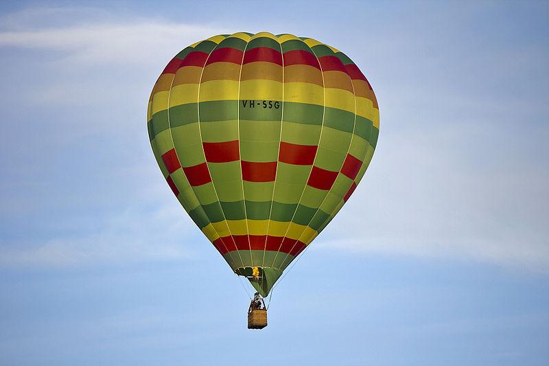 Wizard Of Oz clipart hot air balloon Wizard 800px Hot Hot_air_balloon_over_Leeton_(6) and