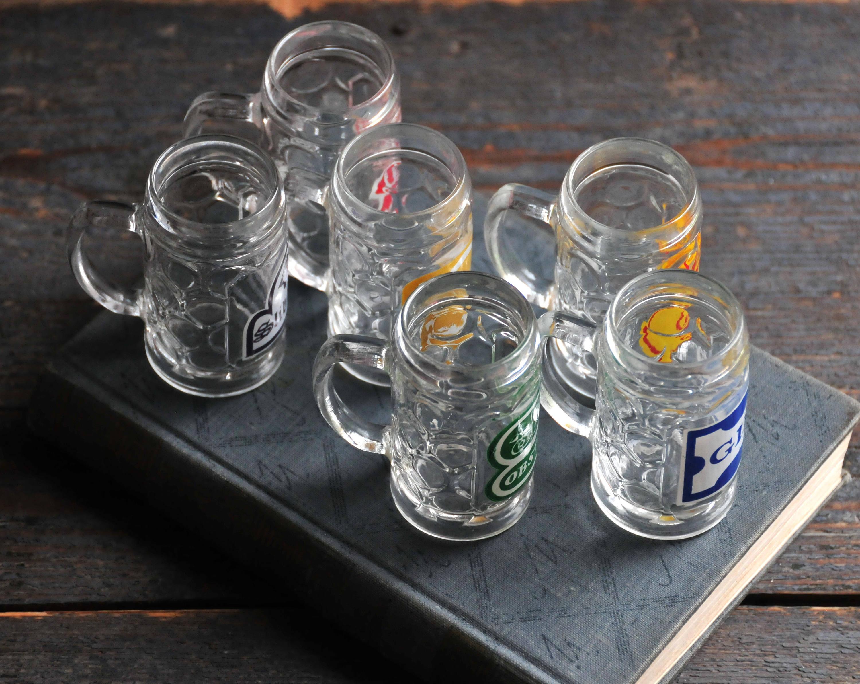 Wodka clipart shot glass With glasses retro set item?