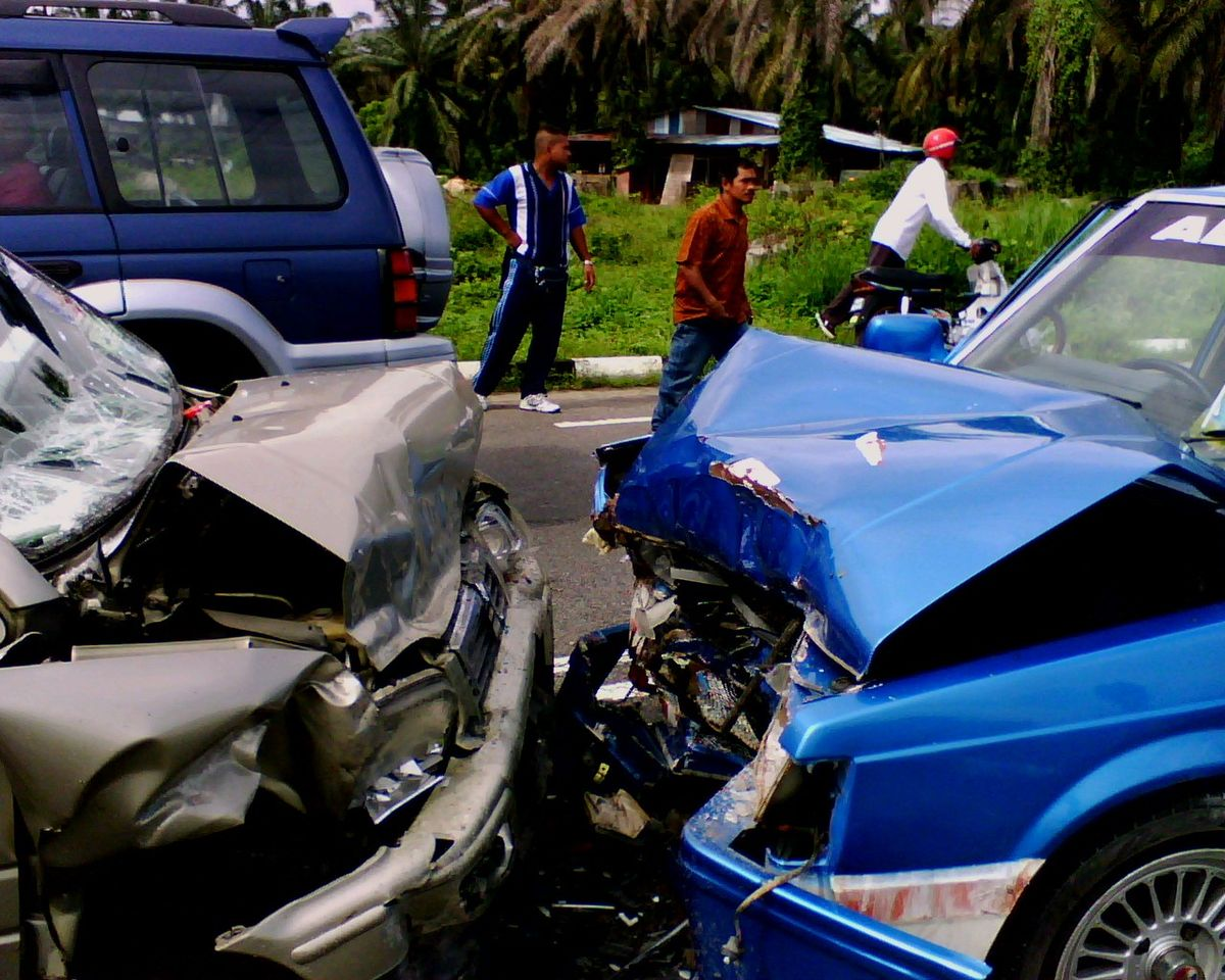 Wreck clipart causes road accident Collision Wikipedia Traffic