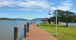 Boardwalk clipart water edge