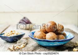Cashew clipart raw