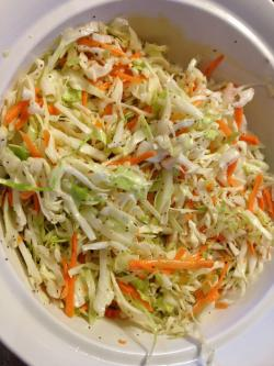 Coleslaw clipart green salad