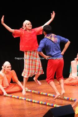 Philipines clipart tinikling
