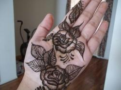 Drawn mehndi rose