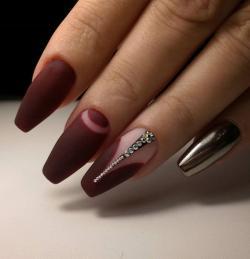 Drawn nail classy
