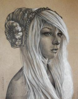 Drawn horns female