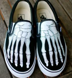 Drawn vans skeleton