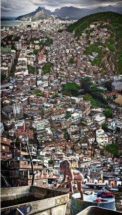 Favela clipart suburban community