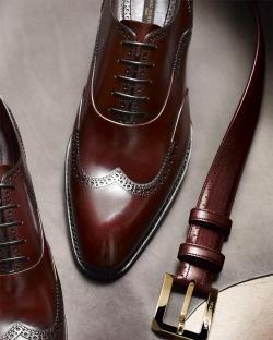 Louis Vuitton clipart trainer man