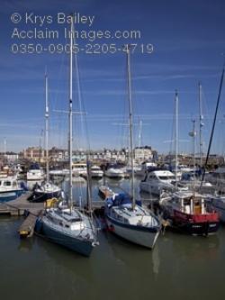 Harbor clipart marina