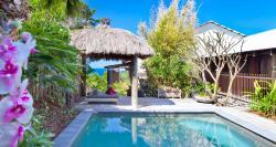 Villa clipart beach house