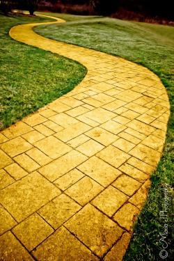 Walkway clipart yellow brick road